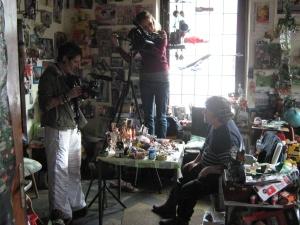 Beim Filmen in der Atelier-Wohnung